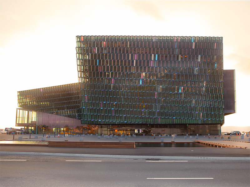 Harpa - Reykjavík concert hall and conference centre Facade Olafur Eliasson - with Variotrans Colour effect glass sunset